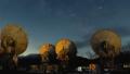 노베 야마 국립 천문대의 전파 망원경과 은하수 (확대) 49036116