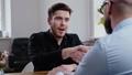 ビジネスマン 会社員 従業員の動画 49516423