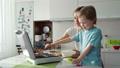 子ども 調理 クッキングの動画 49811953