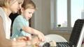 子ども 調理 クッキングの動画 49811956