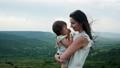 抱擁 ファミリー 家族の動画 49976114