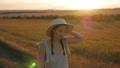 女の子 女子 帽子の動画 49976145