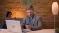 人 ビジネスマン タイピングの動画 50147709