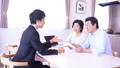 ビジネスマン 夫婦 ビジネスの動画 50285250