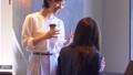 ビジネスウーマン シェアオフィス コーヒーの動画 50317553