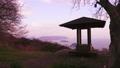 香川県三豊市の紫雲出山より東屋越しに瀬戸内海の絶景を眺める 50532990