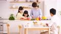 親子 キッチン 子供の動画 50649541