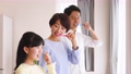 Parent and child toothpaste family lifestyle image 50650444
