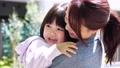 母親 子供 保育の動画 50860261