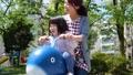 母親 子供 保育の動画 50860268