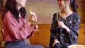 女性 友達 カフェの動画 50957529