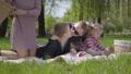 ピクニック 娘 子供の動画 52198976