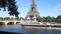 パリ エッフェル塔とセーヌ川 53626791