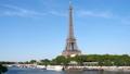 パリ エッフェル塔とセーヌ川 53626792