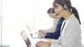 オペレーター ビジネスウーマン 電話の動画 53752701