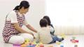 遊ぶ 積み木 ブロックの動画 54001980