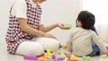 托儿所老师和孩子,积木 54001981
