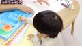 男の子 子供 先生の動画 54002713