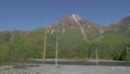 新緑の焼岳 長野県上高地 54052460