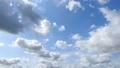 空の背景素材。ダイナミックな雲。太陽の輝き。タイムラプス動画 54212484