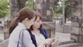女性 友達 スマホの動画 54434735