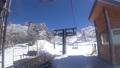 スキーリフトを降車する 54625935