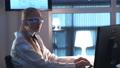 女の人 女性 科学者の動画 55152099