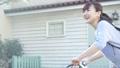 女性 ビジネスウーマン 自転車の動画 55222065