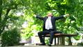 公園 サラリーマン 中高年の動画 55264504