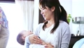 人物 家族 育児の動画 55272243