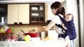 人物 女性 料理の動画 55705227