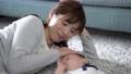 赤ちゃんとお母さん 昼寝 56937209