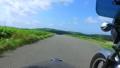 風車の回る高原をサイドカーでドライブ 57556779