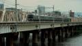 大阪 上淀川橋梁を渡るJR車両(新大阪駅-大阪駅) 58037330