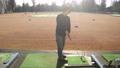 ゴルフ ゴルフ練習 シューティングレンジ 打ちっぱなし 男性 40代 趣味 スポーツ  61113206