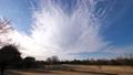 白雲が動く公園の風景(タイムラプス) 61825359