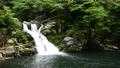 新鮮的綠色山丹峽的三丹瀑布 66076314
