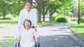 シニアカップル 老老介護 車椅子 66522038