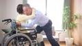 護理老年夫婦輪椅形象 66802755
