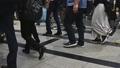 """코로나 바이러스 감염 비상 사태 선언 해제 후 오사카의 통근 풍경 6 월 """"아웃 포커스"""" 66924777"""