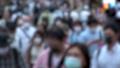 日本 東京 夏 マスクを着けた人々 群衆 雑踏 人混み (新型コロナウイルス対策) 67772524