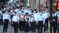 日本 東京 夏 マスクを着けた人々 群衆 雑踏 人混み (新型コロナウイルス対策) 67772532