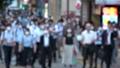 日本 東京 夏 マスクを着けた人々 群衆 雑踏 人混み (新型コロナウイルス対策) 67772539