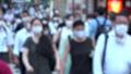 日本 東京 夏 マスクを着けた人々 群衆 雑踏 人混み (新型コロナウイルス対策) 67772546