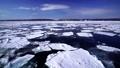 在冬季,从鄂霍次克海流冰 67915377