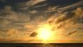美好的日落在冲绳岛 68059694