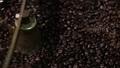 コーヒー豆を焙煎機でロースト 68608778