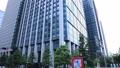 東京丸の内のオフィス街のビル群 チルト【ビジネスイメージ】 69229360