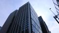 東京丸の内のオフィス街のビル群 チルト【ビジネスイメージ】 69229362