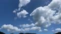 タイムラプス撮影した夏の青空と山の風景 69294051